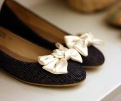 bow shoesBows Flats, Fashion, Style, Flats Shoes, Ballet Flats, Shoes Clips, Cream, Black, Dolls Shoes