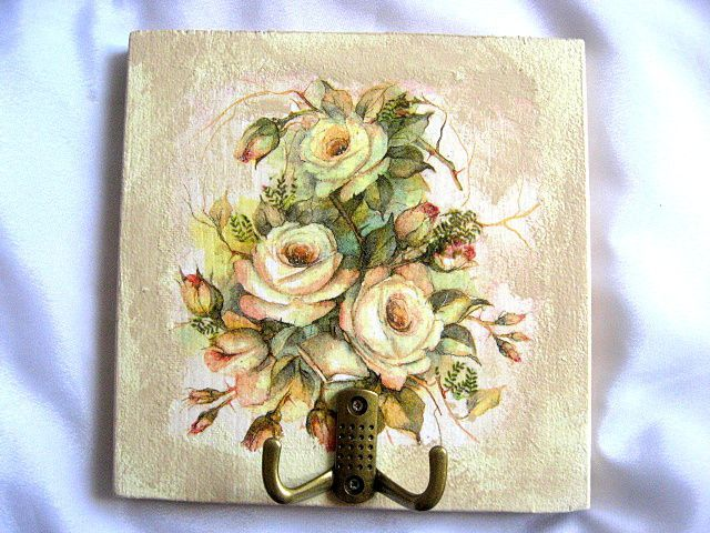 #Cuier #haine cu două #agăţători, #design #trandafiri #galbeni înfloriţi / #Clothes #hook with two hooks, #design of #blooming #yellow #roses / #두 #개의 #후크, #피는 #노란 #장미의 #디자인과 #후크 #의류 https://handmade.luxdesign28.ro/produs/cuier-haine-cu-doua-agatatori-design-trandafiri-galbeni-infloriti-26226/