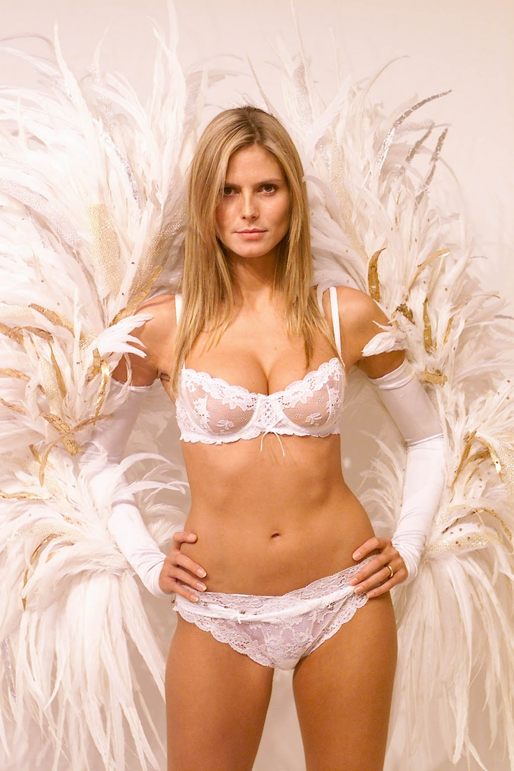 Victoria's Secret at Outlet Malls Store Locations at Outlet Malls for Women's lingerie & swimwear in California. Outlet malls in other states Mall stores by name/brand Mall stores by category Special offers & deals Mobile version of this page. Share: Email to a friend. Tweet.