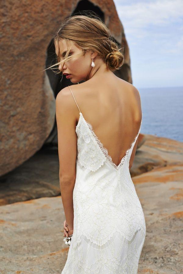 (Foto 12 de 37) Detalle de la sensual espalda de este vestido de novia de estilo boho, Galeria de fotos de Vestidos hippies para novias boho-chic