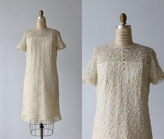 Lace Dress / 1960s Dress / Sheath Dress /  Cream / Moonlight