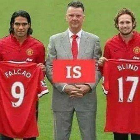 Luis Van Gaal zażartował ze swojego supersnajpera • Teraz już wiem dlaczego Radamel Falcao grał poniżej oczekiwań • Wejdź i zobacz >> #football #soccer #sports #pilkanozna #funny #manutd #manchesterunited