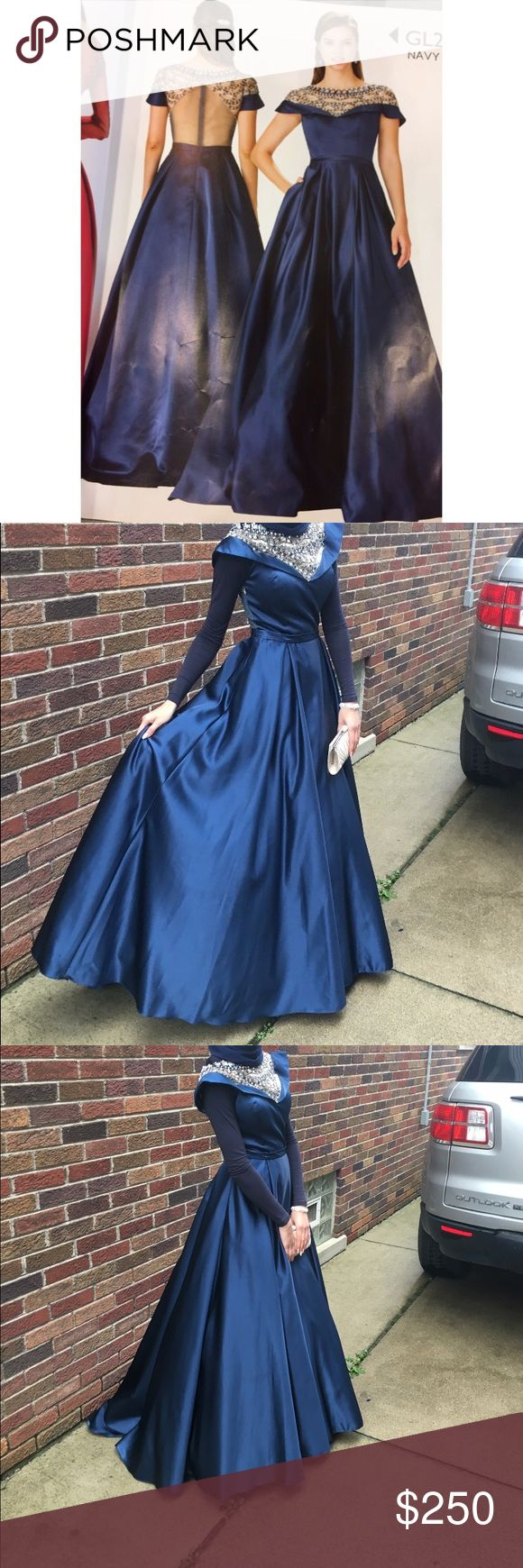 Navy blue ball gown prom dress, detailed from top WORN ONCE, CONDITION NEW Dresses Prom
