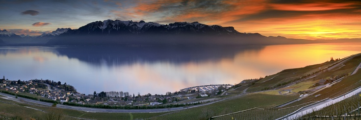 Sunset in Montreux Riviera  © Samuel Bitton