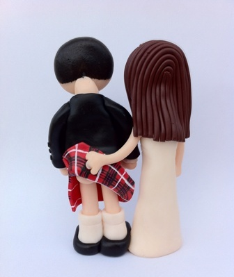 cheeky scottish wedding cake toppers cheeky bum flash scottish amp groom wedding cake 12550