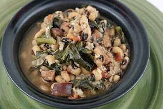 Hoppin' John Soup Slow Cooker Recipe -  I LOVE Hoppin' John, and I love it even more in soup form!  I use ham instead of sausage!