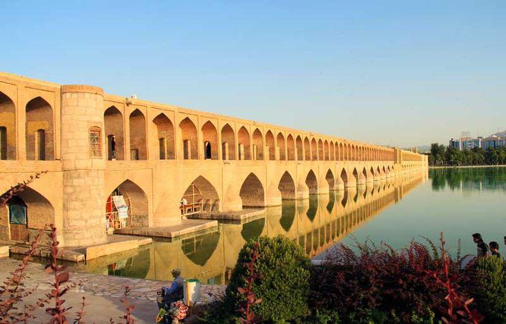 Siesepol-Bridge-esfahan
