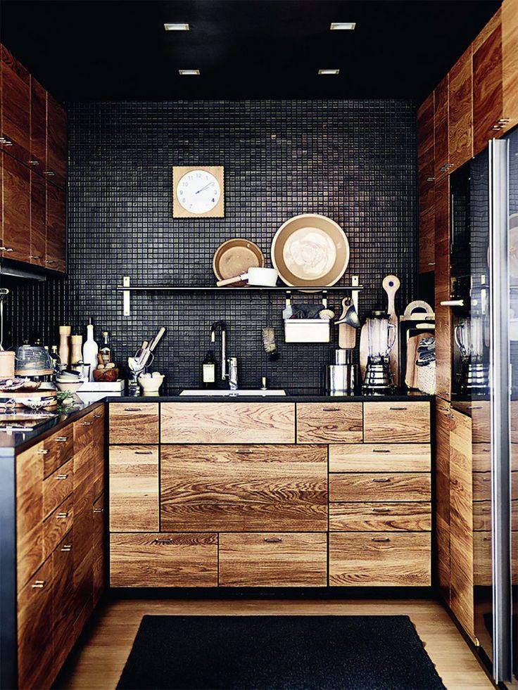 Cozinha de Madeira e Parede de Pastilha