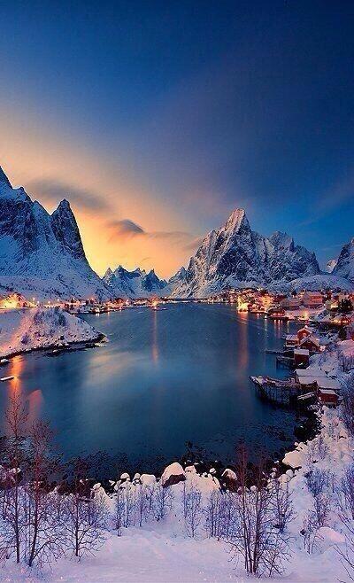 Reine, Noruega.                                                                                                                                                      Mais