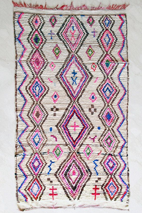 Au Riad Bab 54 on adore les tapis, on va les chercher au souks de Marrakech et de Fès et on en rapporte plein pour nos amis à Paris !