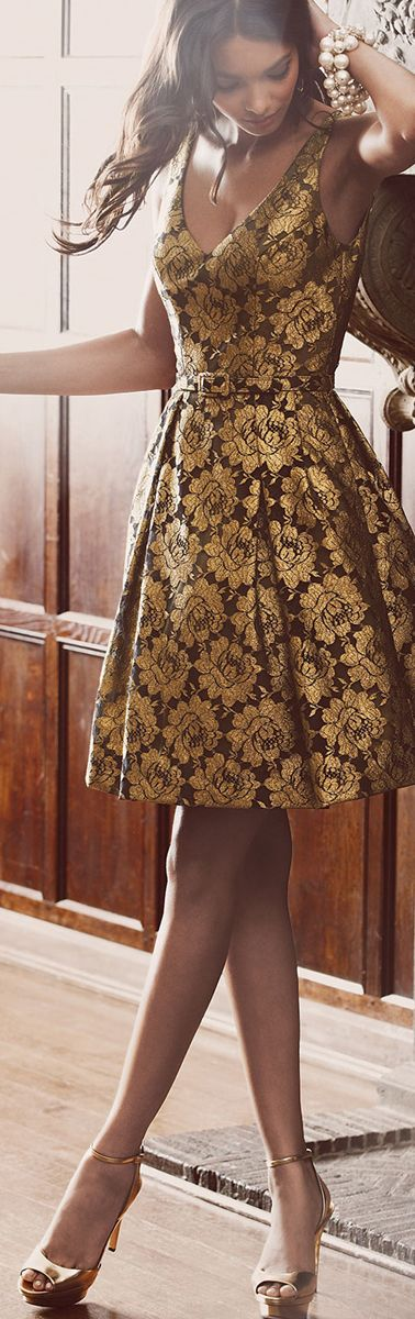 Goodness gracious gold. What a perfect dress for that fancy holiday work party.