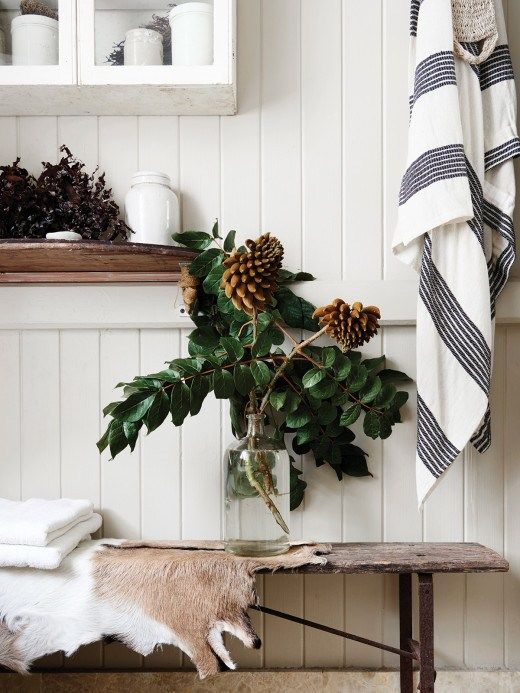 Take a look around Kara Rosenlund's home in Australia! This cottage is a rustic, modest 3 bedroom but nothing short of amazing. It is the perfect example that neutral doesn't have to mean dull and boring. The colour palette is simple , white, wood, warm shades of caramel. Her home is full of vintage pieces brought back from her travels.