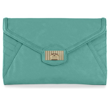 This MIA Oversized Clutch from the Danielle Nicole Handbag Collection is an excellent way to add a modern edge to any outfit, dressy or casual.