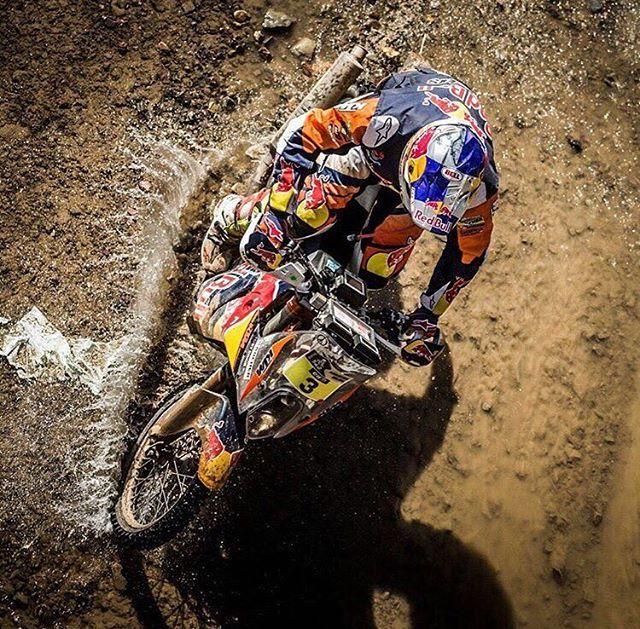 Awesome and waterproof   Fantástico y a prueba de agua   #4stroke #dakar2016 #kawasaki #kTM #motorcycle #enduro #wild #husqvarna #rallybike #wheelie #Suzuki #rallybikes #honda #Yamaha #mud #fail #advrider #dualsportlife #advbiker #advaddicts #dakarseries #dakarrally #dakar #rallydakar  Check our page: www.facebook.com/rallybikes  Photo by @tobyprice87