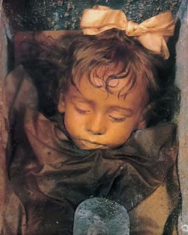 Die schlafende Schönheit aus der Gruft