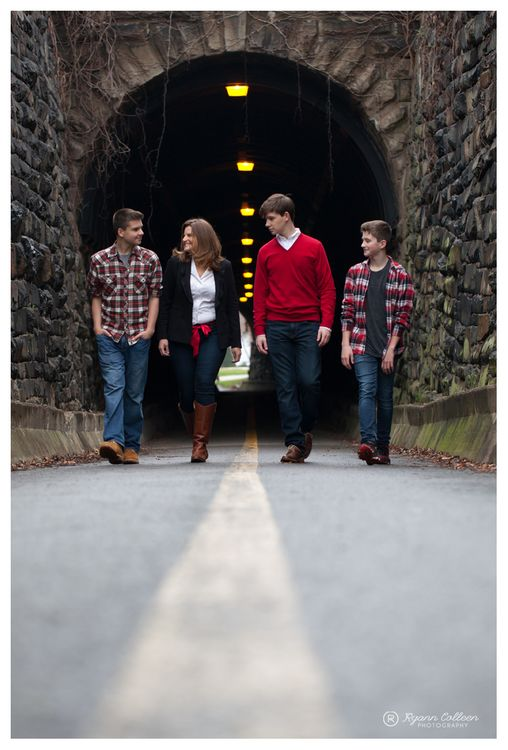 a family photo session in Old Town Alexandria outside of the Wilkes Street Tunnel lifestyle teenage family photographer