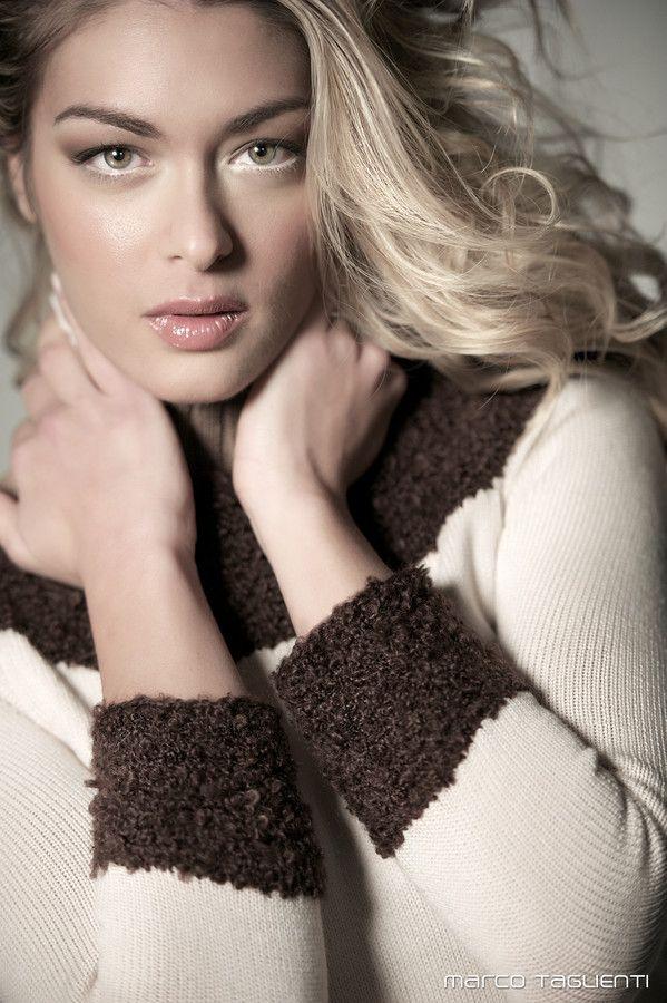 Model: Sara