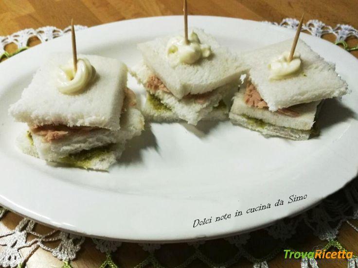 Tramezzini con pesto e tonno  #ricette #food #recipes