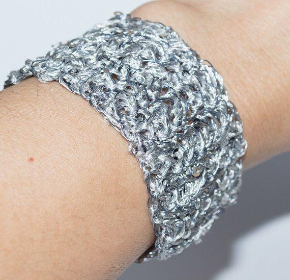 Silver Gray Handmade Wire Crochet Bracelet by UnikacreazioniShop