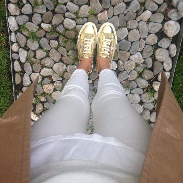 Gold sneakers Superga, white jeans