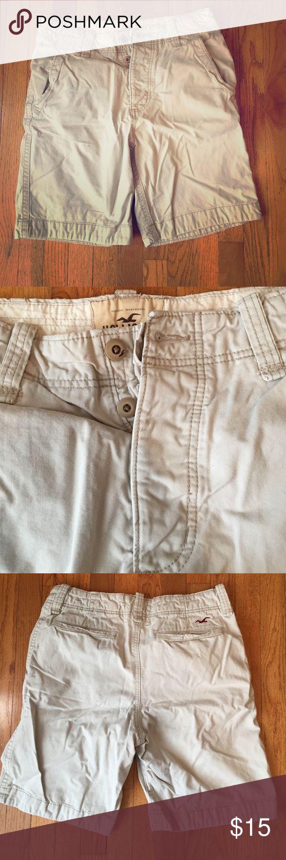 Men's cargo shorts Men's tan cargo shorts. In good condition. Hollister Shorts Cargo