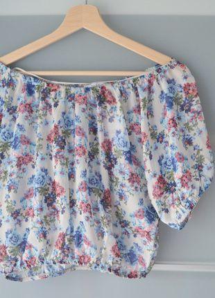 Kup mój przedmiot na #vintedpl http://www.vinted.pl/damska-odziez/koszulki-na-ramiaczkach-koszulki-bez-rekawow/13841934-pullbear-bluzka-szyfon-kwiaty-hiszpanka