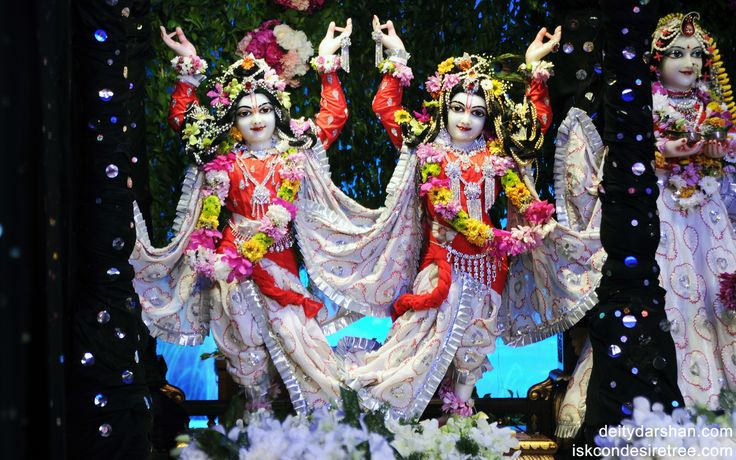 To view Gaura Nitai Wallpaper of ISKCON Chowpatty in difference sizes visit - http://harekrishnawallpapers.com/sri-sri-nitai-gaurachandra-wallpaper-002/