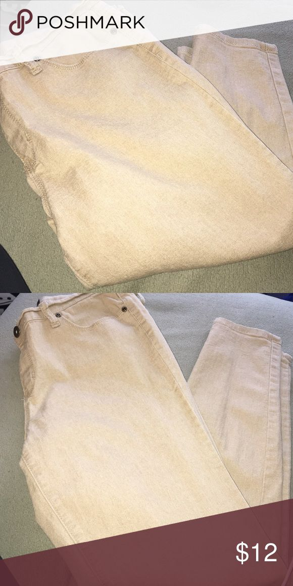 Skinny Jeans Tan skinny jeans, they stretch and are a great fit, very good condition with a great price to match. Bundle for additional savings. Pants Skinny