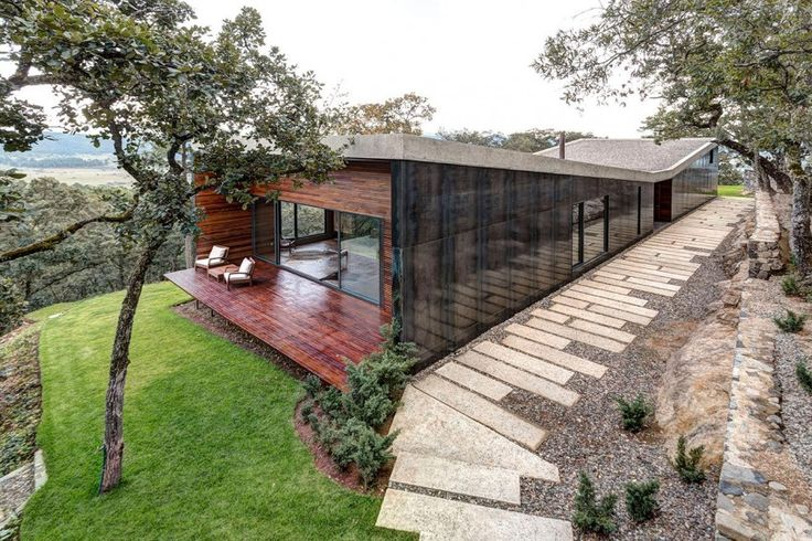 Elías Rizo Arquitectos Design a Weekend Home in Tapalpa