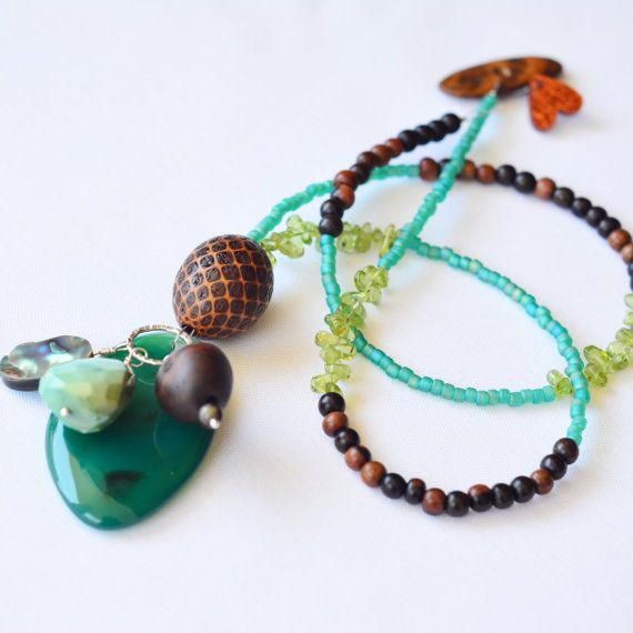 One Strand  Green Confetti Necklace  Handmade by skyepiece on Etsy