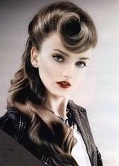 I can never quite get that victory curl thing happening in mine! :(: Pinup Hairs, Vintage Hair, Hairs Idea, Victorious Rolls, Hairs Styles, Pin Curls, Pin Up, Clothing Styles, 40S Hairstyles