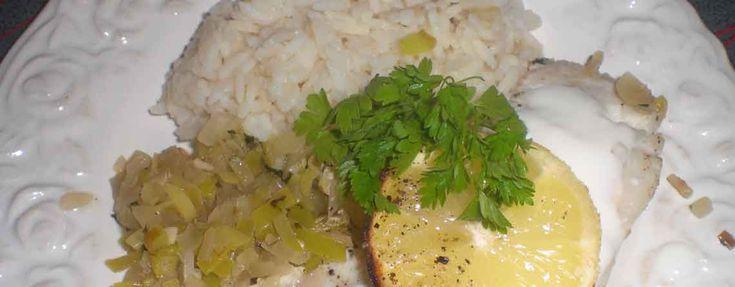 Ovnstegt lyssej med hakket grønt - En meget fedtfattig ret, men bestemt ikke fattig på smag. Citronskiverne giver fisken en rigtig lækker, syrlig og frisk smag.  - http://www.dropslankekuren.dk/tophistorie/ovnstegt-lyssej-med-hakket-gr%c3%b8nt/