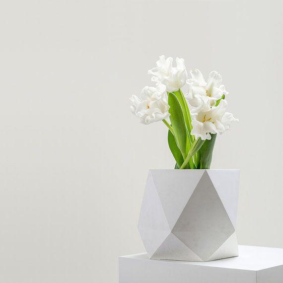 triangulus large in star white / geometric vase, minimalistic planter, puristic cutlery holder