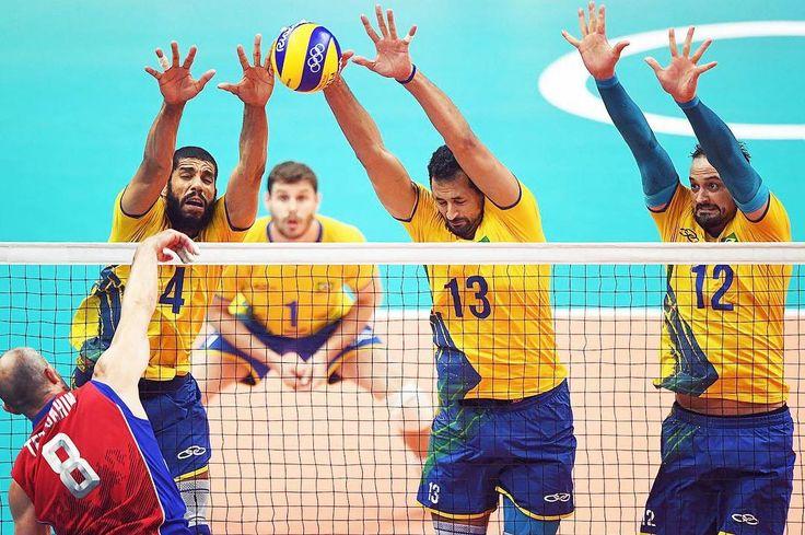 No 19 e último dia de jogos a seleção brasileira de vôlei masculino enfrenta a Itália em busca da 7ª medalha de ouro. Por aqui seguimos  na torcida!  #FhitsRio #BigBang #olympikus #OlympikusVolei