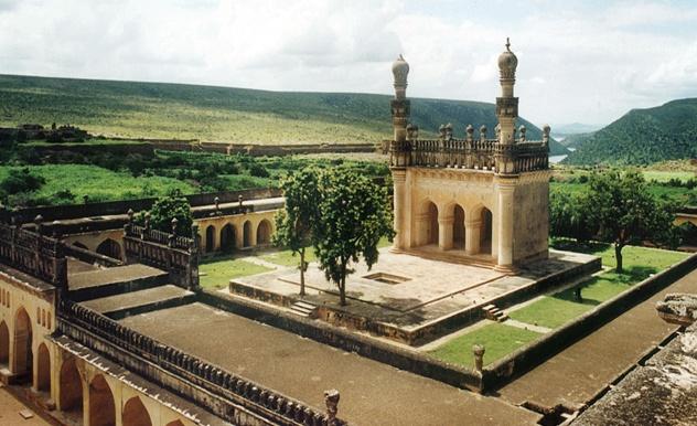 Jamia Masjid in the Gandikota Fort, Kadapa built during the Qutub Shahi times.