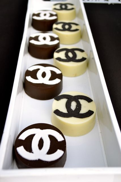 Chocolate covered Oreos at a Black & White Chanel theme Birthday Party!  See more party ideas at CatchMyParty.com!