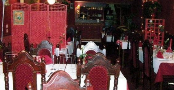 Au Bengale, l'accueil décontracté et le service soigné vont de paire. Les gourmands apprécieront les délicieux tandooris de la maison, tous réalisés à partir de produits de premier choix. Venez découvrir une cuisine riche en saveur et en couleurs dans le restaurant Le Bengale.