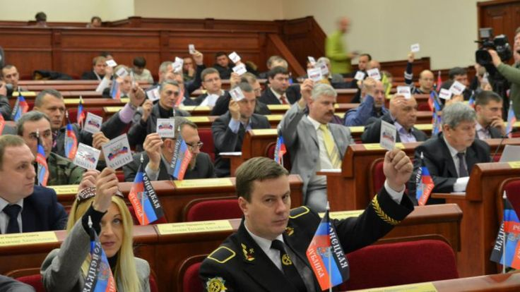 Deputies of the 'parliament' of the Donetsk People's Republic vote to whitewash the Stalin era