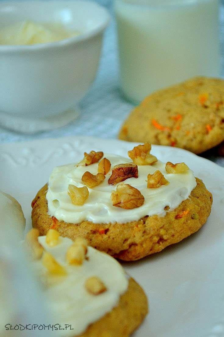 Miękkie ciasteczka z marchewką to idealna propozycja dla najmłodszych :). Jeśli szukasz ciastek, które bez obaw możesz podać małemu dziecku, to ten przepis jest dla Ciebie :)