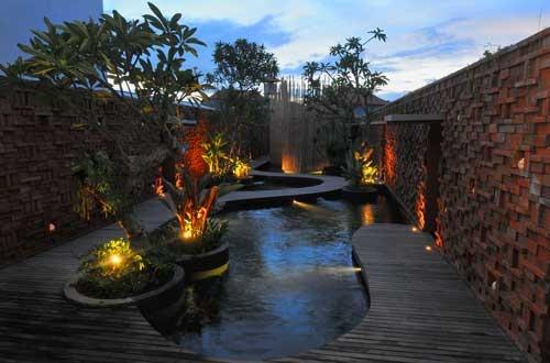 Taman Air Spa  Jl. Sunset Road 88  T. 8947300  www.tamanairspa.com    Pond