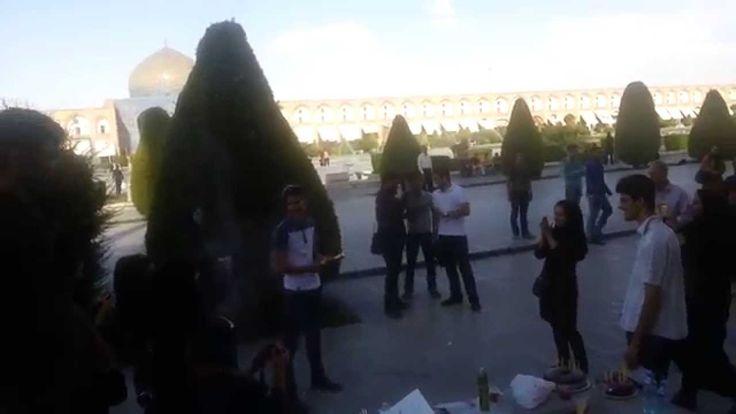Ragazzi di Isfahan. Festa di compleanno nella grandiosa piazza dell'Imam. #MustSeeIran