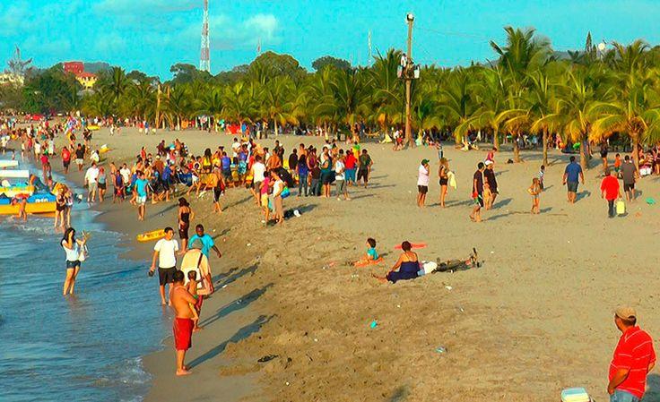"""Hondureños siguen arribando a principales destinos turísticos Los hondureños continuaron movilizándose a distintas zonas de esparcimiento del país para disfrutar del asueto de la """"Semana Morazánica"""", que une a los tres días feriados de este mes, reportó el Instituto Hondureño de Turismo (IHT). http://www.latribuna.hn/2016/10/06/hondurenos-siguen-arribando-principales-destinos-turisticos/"""
