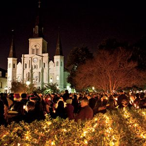 Christmas New Orleans Style http://www.southernliving.com/travel/south-central/christmas-in-new-orleans-00417000076430/