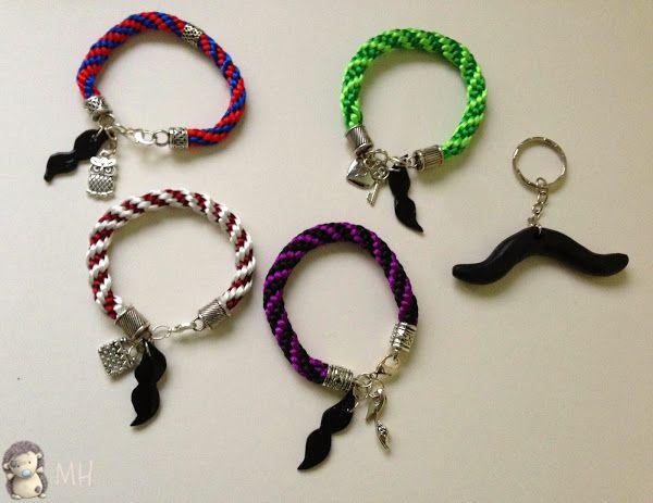 Kumihimo y Colgantes con Moustaches de Fimo