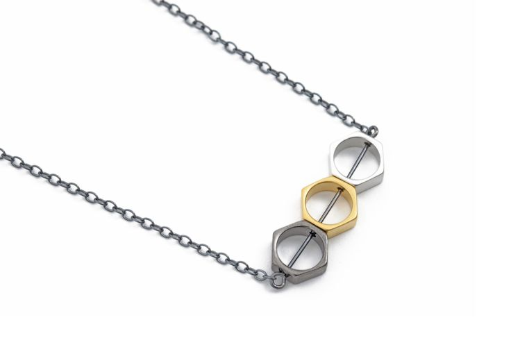 Necklace w. matte silver, gold & oxidized brass beads