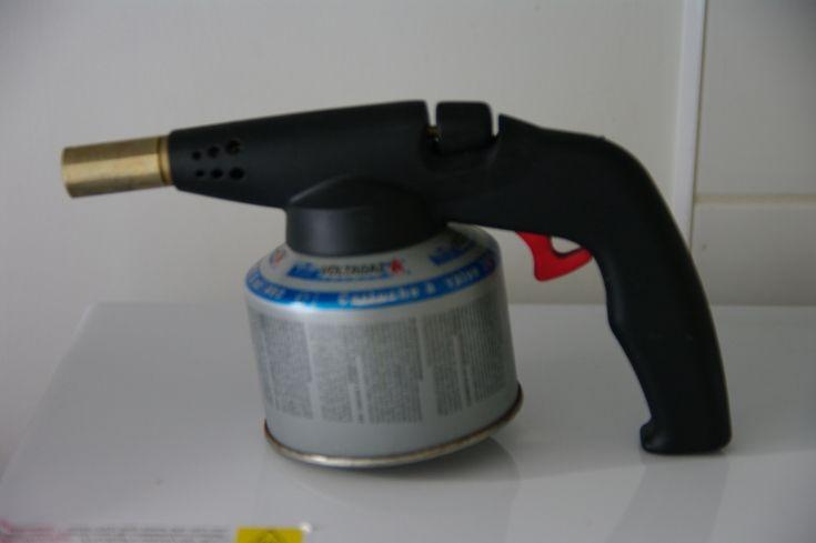 Chalumeau de cuisine avec gaz. Tout l'électroménager des particuliers est à louer sur www.placedelaloc.com !