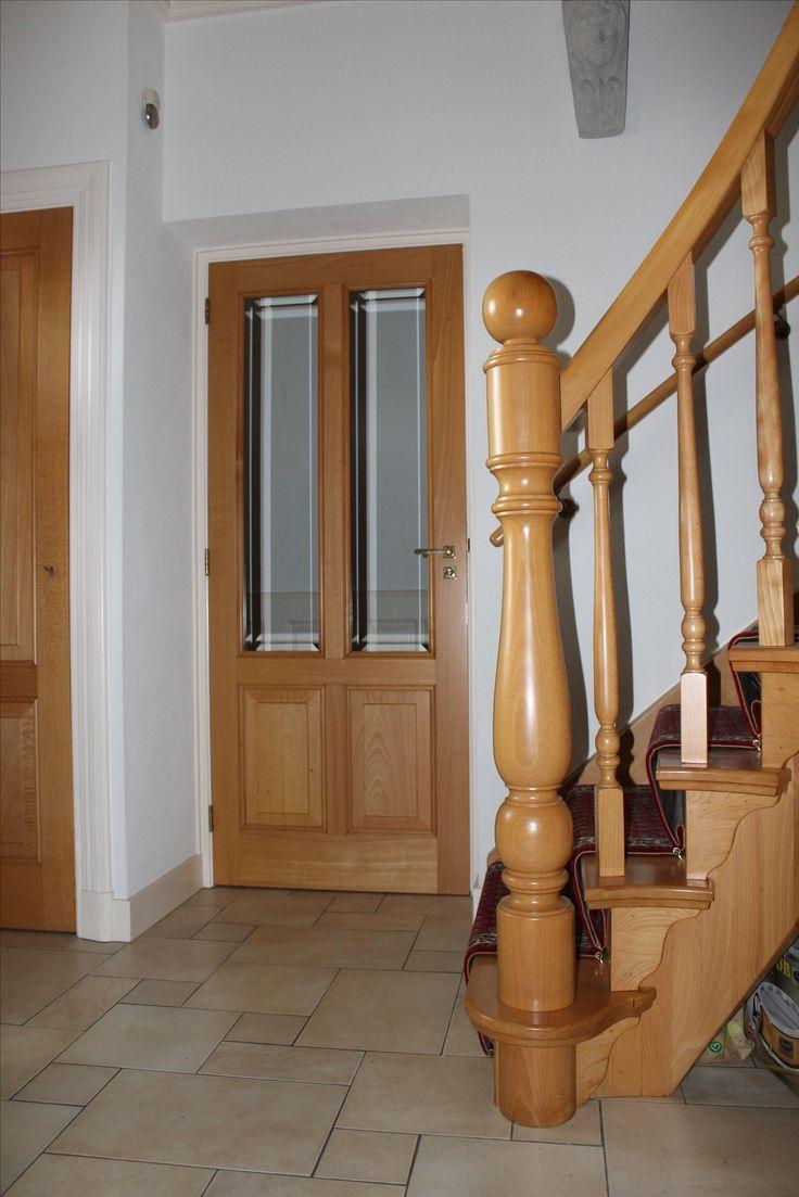 Klassieke trap in beukenhout | traploper | gebogen binnenbomen en leuning | bekijk de website van Meester in Trappen
