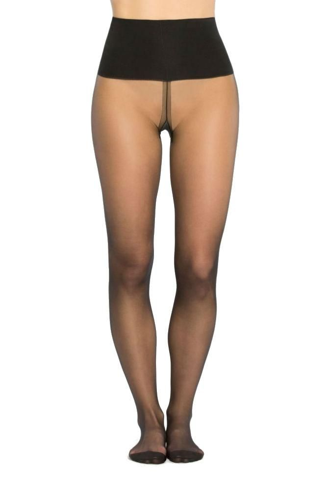 Pantyhose with oversized cotton gusset