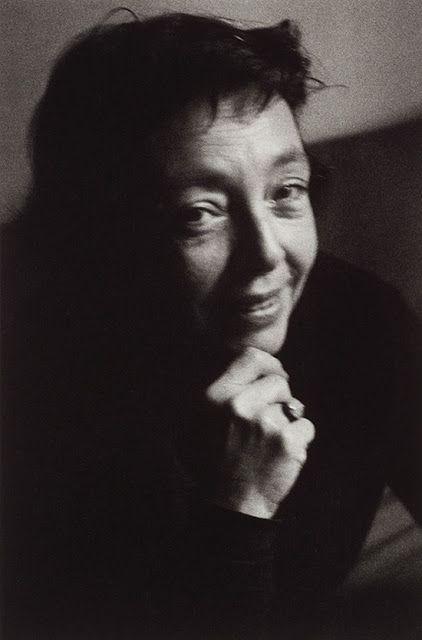Marguerite Duras, Paris, 1965.  Foto: Giséle Freund