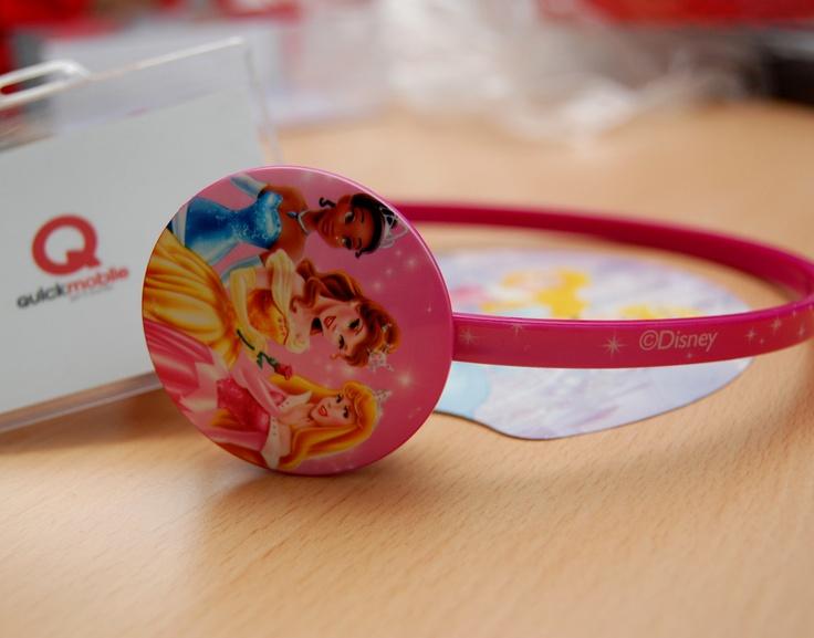 Cadoul perfect de 1 Iunie pentru fetițe: căști Princess de la Disney  http://www.quickmobile.ro/accesorii/casti-cu-fir-disney-princess-dsy-hp751-3-5mm-universal.apple.html